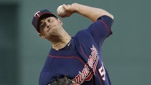 Scott Diamond deals a pitch as he stymies Sox bats.