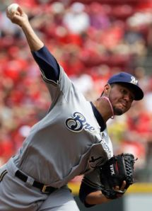 Gallardo pitches 6 scoreless, and the Brewers shutout the Reds 6-0.