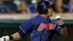 Michael Brantley delivers the go-ahead sac fly, caps off 3-run 8th, as the Indians beat the Royals 4-3.