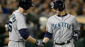 Mike Zunino hits his 1st career home run as the Mariners beat the Athletics 3-2.